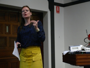 Lene Hansen, of the University of Copenhagen, speaking on her new research on the study of images in international relations (Photo: Jose Torrealba)