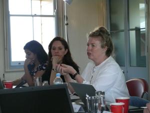 Allison Bashford (USydney) speaks about her research, with Kathleen Vogel (C) and Monika Barthwal-Datta (L) beside her. (Photo: Jose Torrealba)