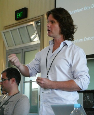 Speakers David Reilly (right) from Quantum Nanoscience Lab, USYD; and Jairus Victor Grove, from University of Hawaii