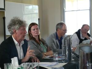 John Keane outlines quantum democracy as Lene Hansen listens. (Photo: Jose Torrealba)