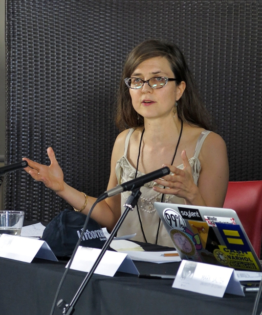 Charlotte Epstein as the Commentator for the panel on Space: Geopolitical, Galactic and Virtual. Photo: Gilbert Bel-Bachir.