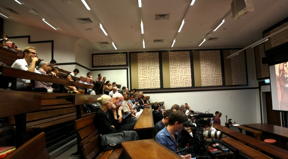 Start of the Q Lecture at The Quadrangle's General Lecture Theatre. Photo: Gilbert Bel-Bachir.